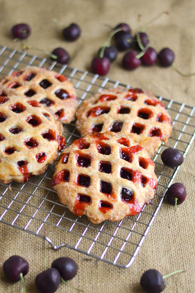 A classic American pie flavor in a cute and convenient shape!