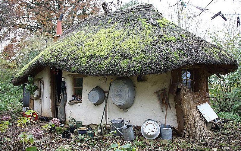 adelaparvu.com about Michael Buck s cob house, Photo John Lawrence, The Telegraph