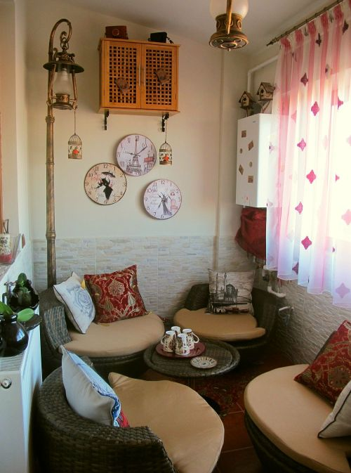 mobilier pentru balcon adela p rvu jurnalist home garden. Black Bedroom Furniture Sets. Home Design Ideas