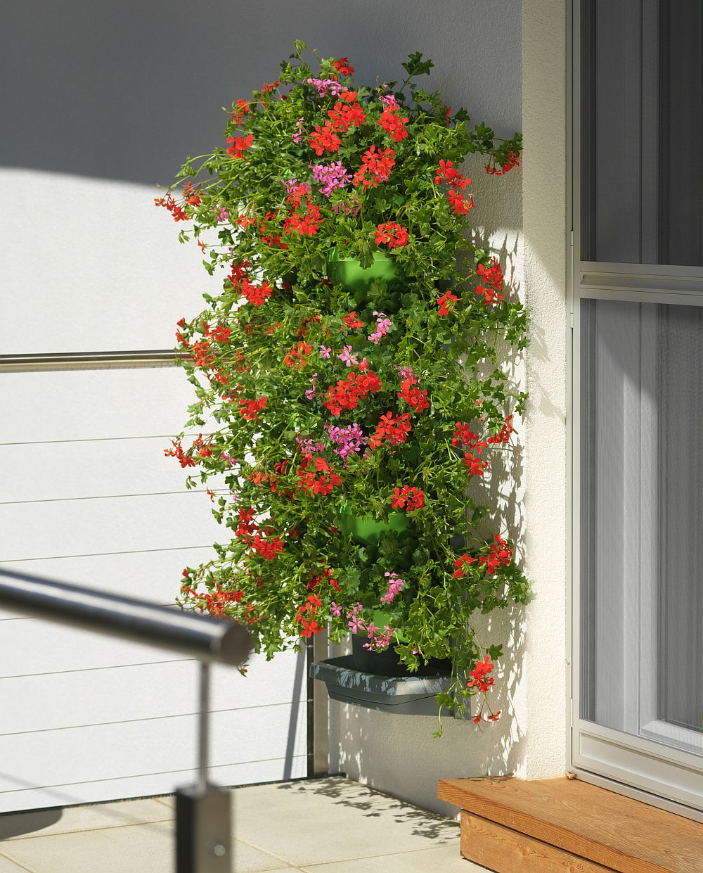 Jardinier vertical ingenioas ideal pentru balcoane i - Jardiniere verticale ...