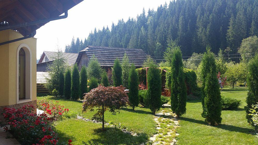 adelaparvu.com despre gradina in Bucovina, design Garden Green Campulung Moldovenesc, Foto Adela Parvu (12)