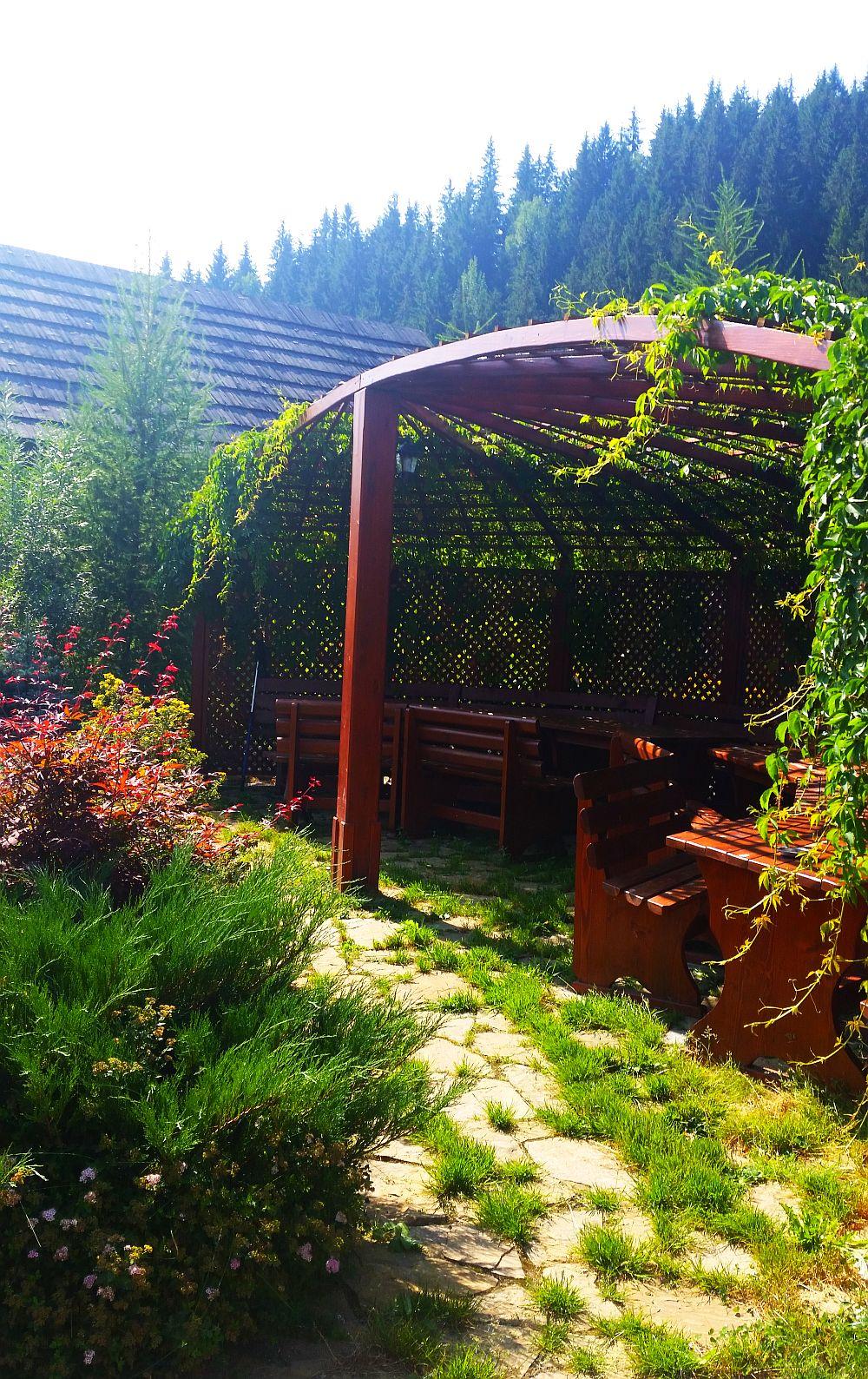 adelaparvu.com despre gradina in Bucovina, design Garden Green Campulung Moldovenesc, Foto Adela Parvu (17)