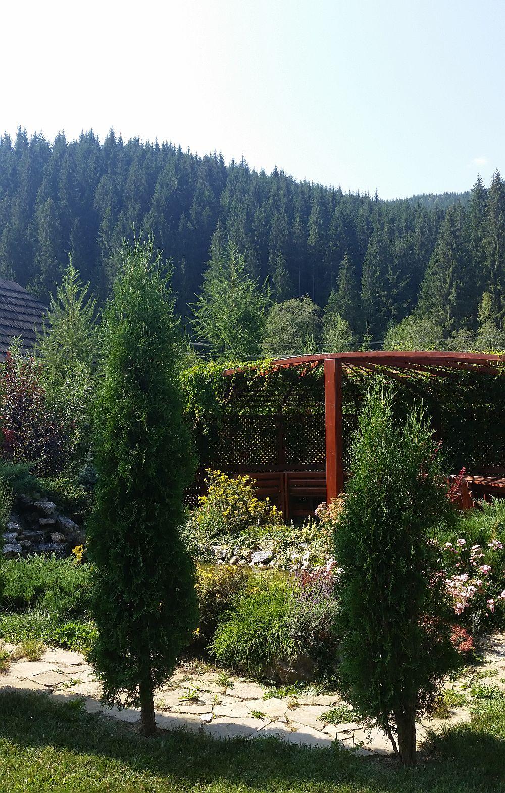 adelaparvu.com despre gradina in Bucovina, design Garden Green Campulung Moldovenesc, Foto Adela Parvu (35)