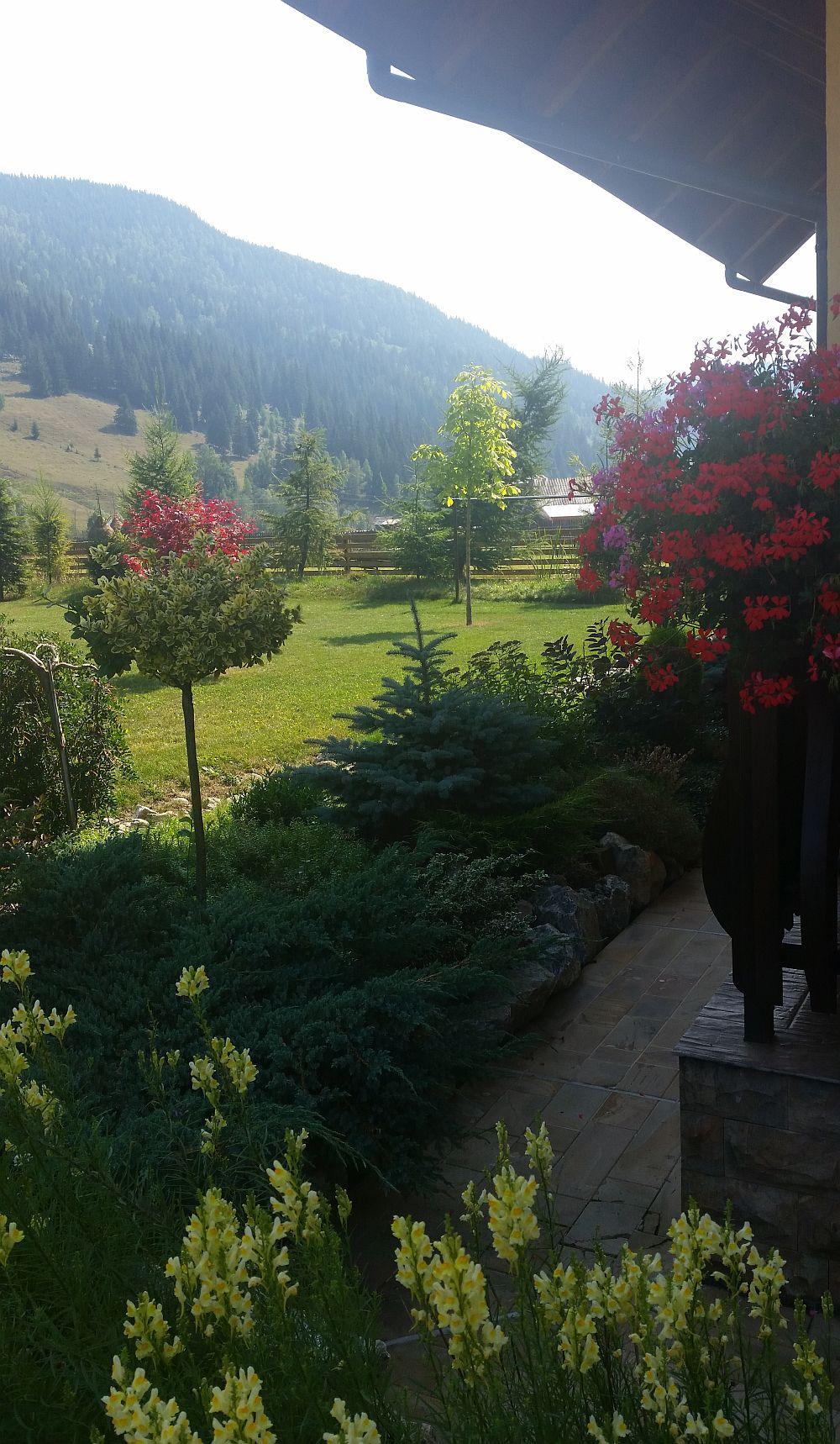 adelaparvu.com despre gradina in Bucovina, design Garden Green Campulung Moldovenesc, Foto Adela Parvu (49)