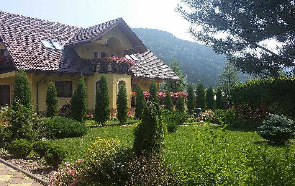 adelaparvu.com despre gradina in Bucovina, design Garden Green Campulung Moldovenesc, Foto Adela Parvu (51)