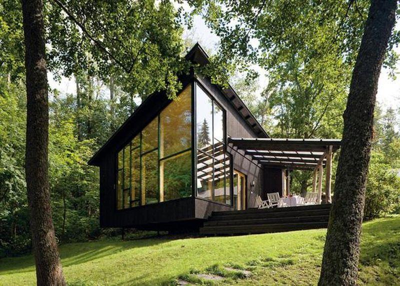 Casă din lemn de 65 mp cu terasă, gândită pentru vacanțe