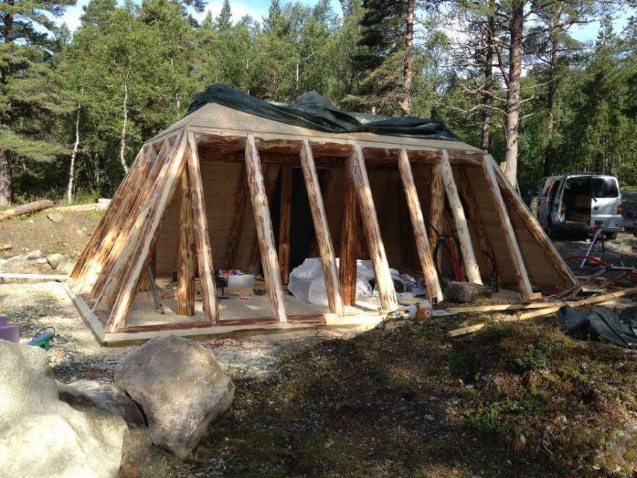 adelaparvu-com-despre-cabana-hobbit-hobbithytta-norvegia-design-sverre-mork-foto-facebook-hobbithytta-5