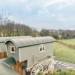 adelaparvu.com despre casa de vacanta cu carute anexate, casa Nomad, Marhamchurch, Cornwall, UK, Foto Unique Home Stays (7)