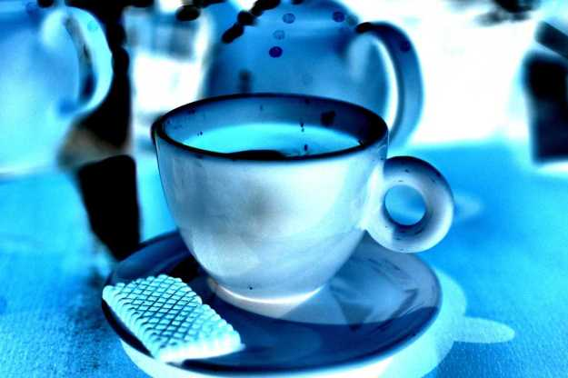 coffe-cup-in-blue