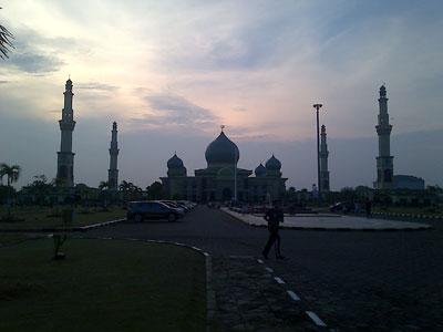 Kejanggalan Mengenai Masjid Raya Pekanbaru