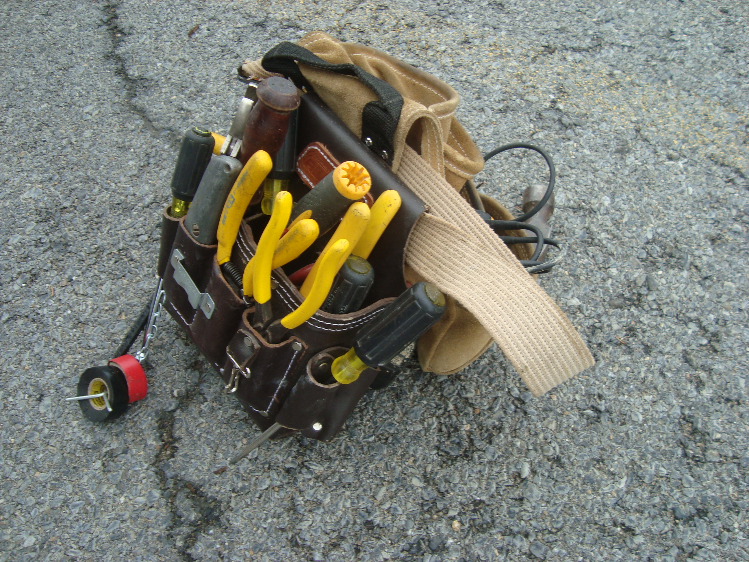 Electrician Tool Pouch with Tools