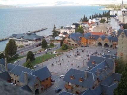 Centro_C�vico_y_Puerto_San_Carlos_en_Bariloche