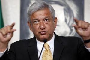 20426013. México, D.F.- Andrés Manuel López Obrador, candidato presidencial de la coalición Movimiento Progresista, durante su conferencia matutina en su casa de campaña. VOTO2012/AMLO.NOTIMEX/FOTO/JAVIER LIRA OTERO/JLO/POL/