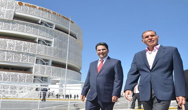 Con excesivas medidas de seguridad inauguran Centro de Justicia Penal Federal (14:45 h)