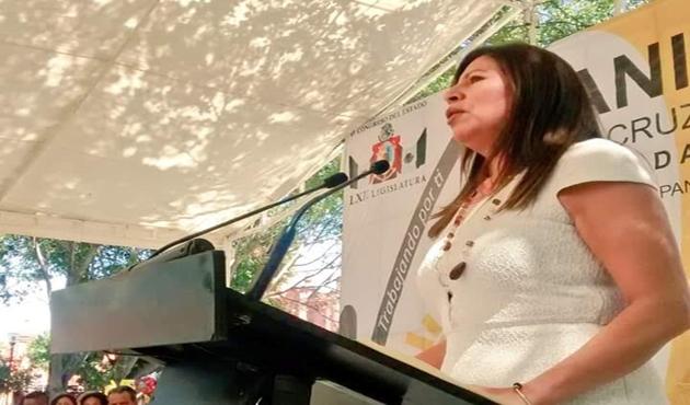 Rinde diputada Juanita Cruz segundo informe de actividades en Huajuapan de León (09:00 h)