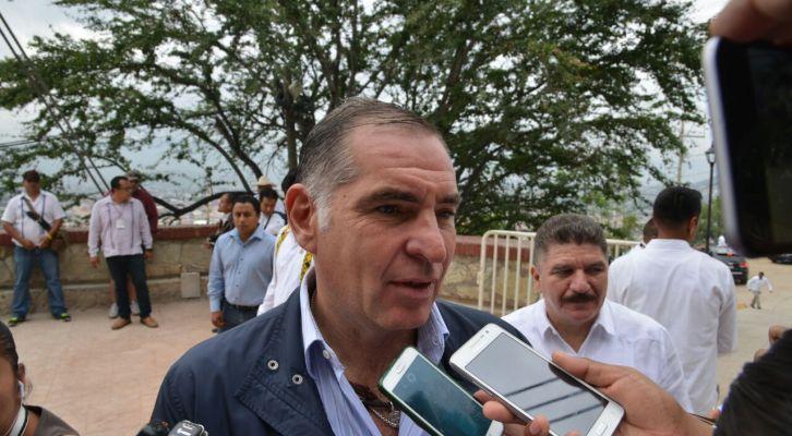 Asegura Gabino Cué que conflicto magisterial podría concluirse  (10:15 h)