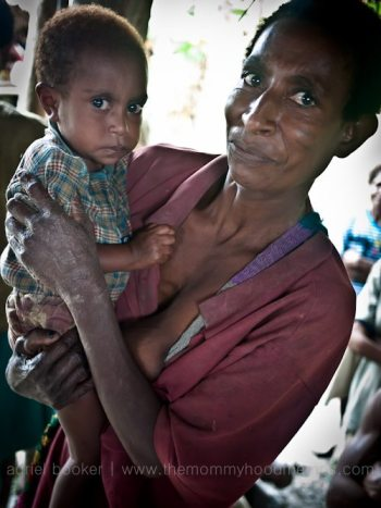 Mother and child of Bamio, Western Province, Papua New Guinea.