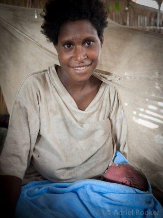 PNG-Bamu-Adriel_Booker-maternal-health-130905-1047