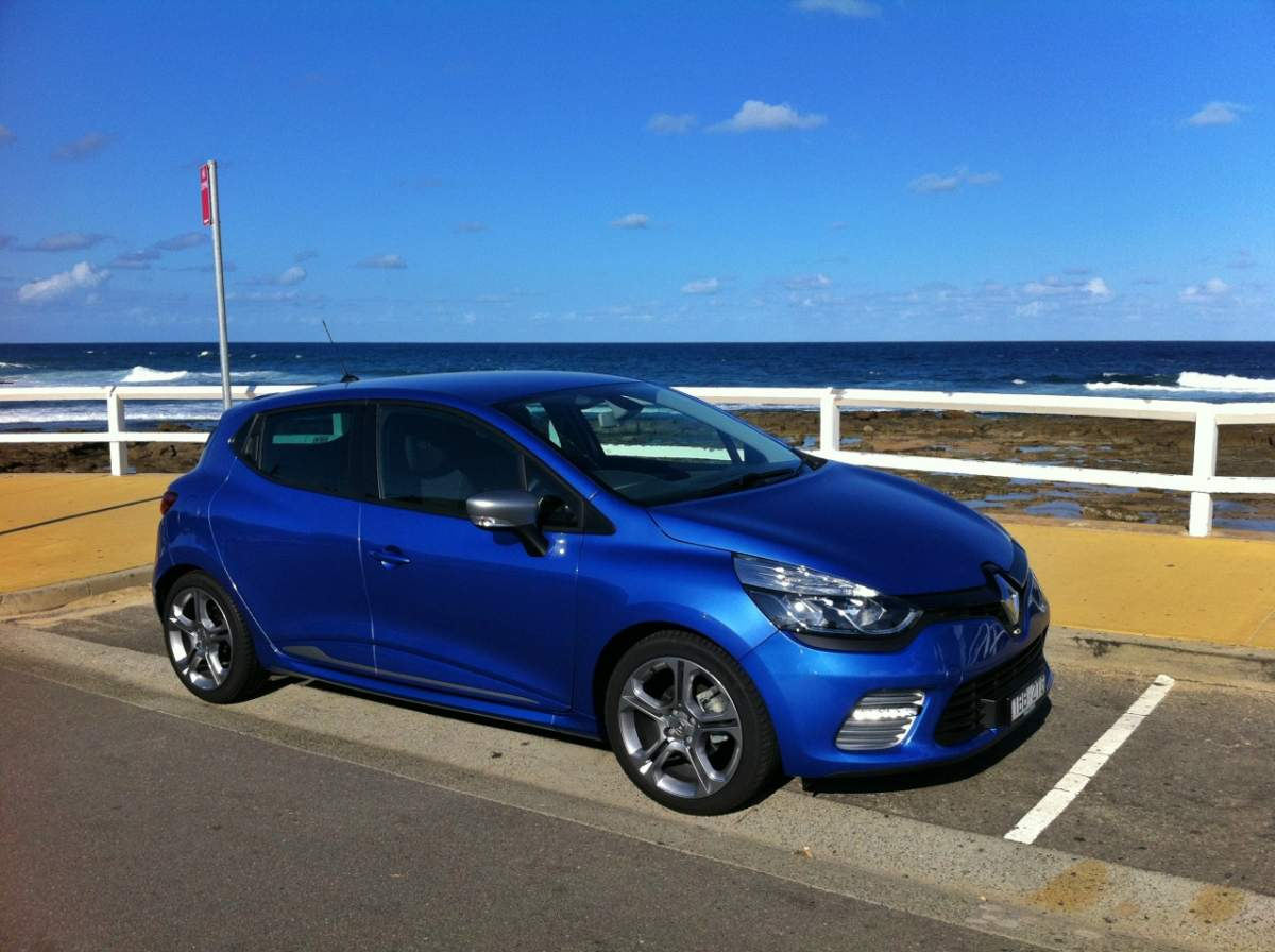 newcastle and port stephens road trip with a renault clio. Black Bedroom Furniture Sets. Home Design Ideas