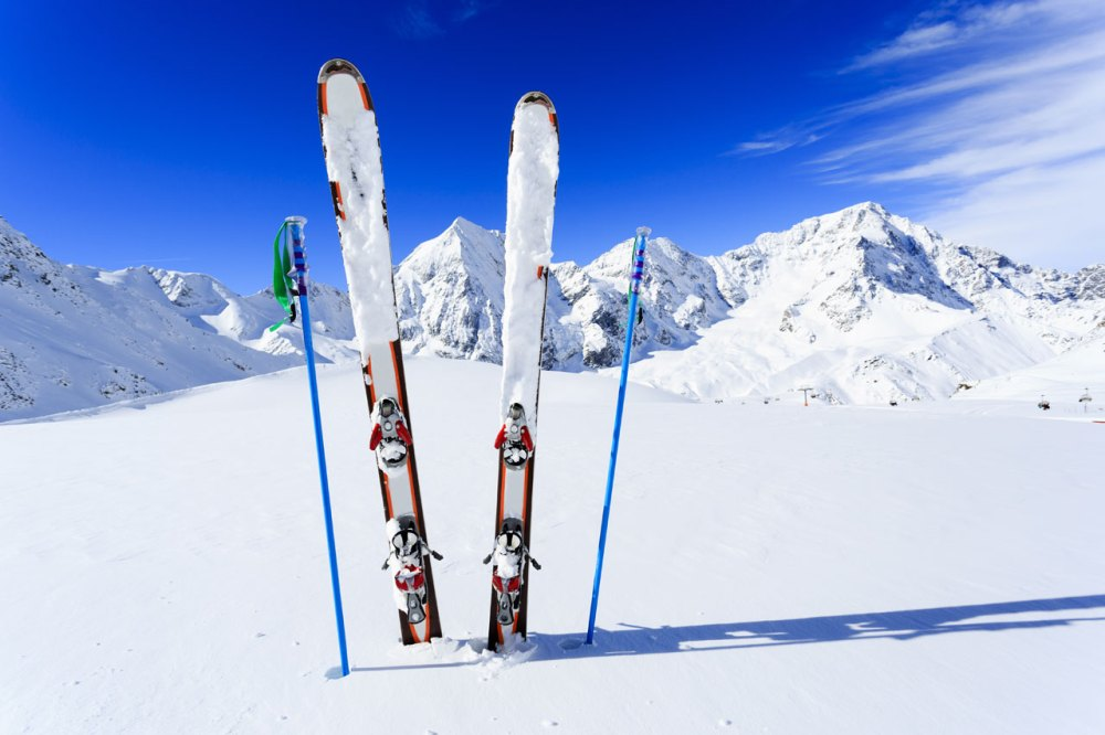 Trasteros-Zaragoza-guardar-equipacion-nieve-esquis-ski