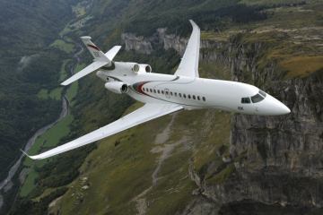 Dassault Falcon 8X in flight