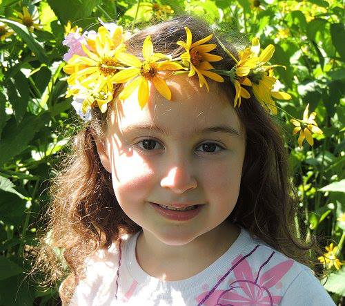 Naturally Educational Flower Hair Crown Tutorial via Central Jersey Working Moms
