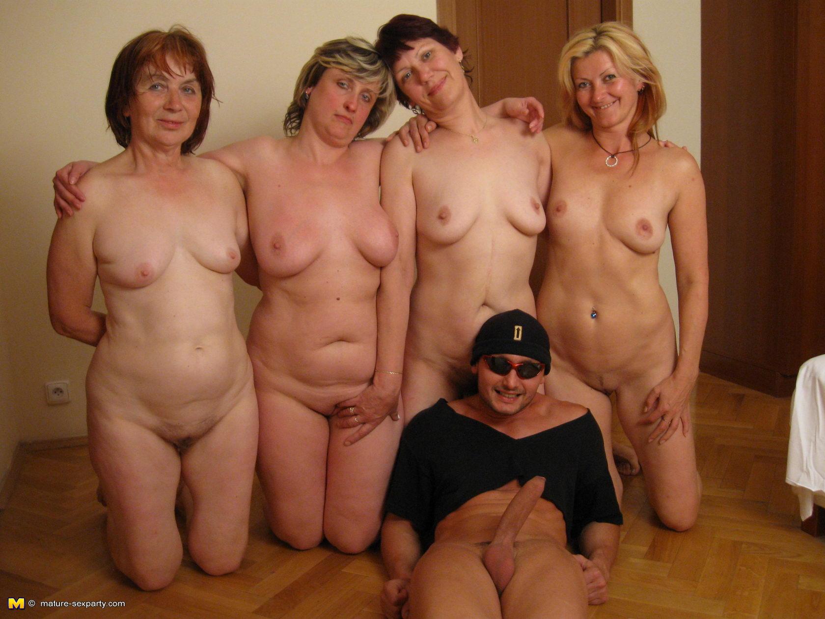brooklyn decker hot naked ass