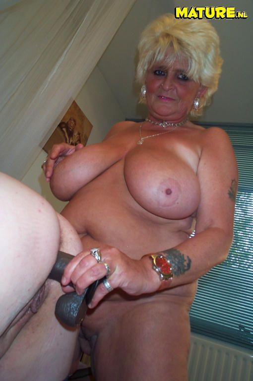 Bbw granny dildo