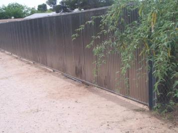 corrugated_gates_001