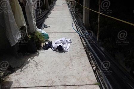 El bebé murió a consecuencia del agua que tragó tras caer.