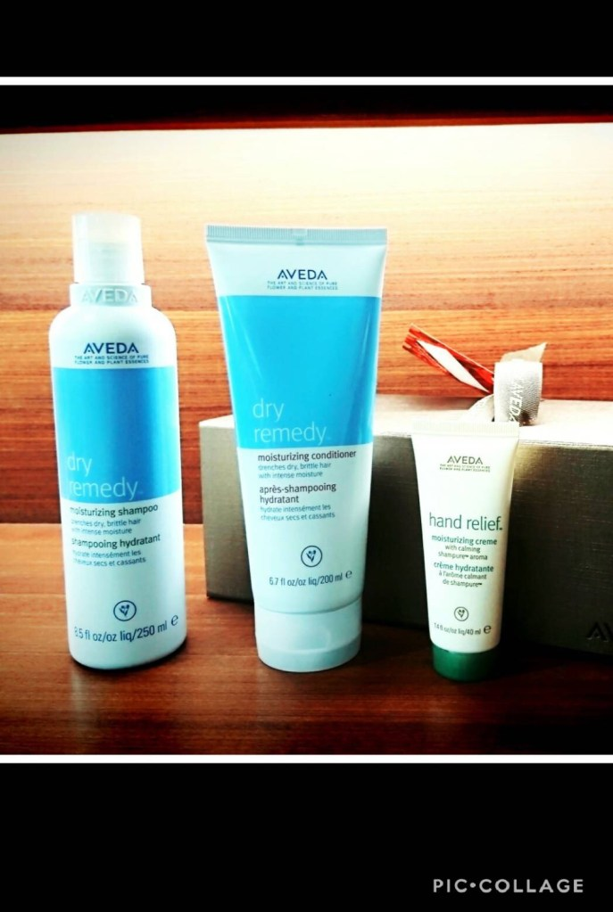 AVEDA ホリデーギフト