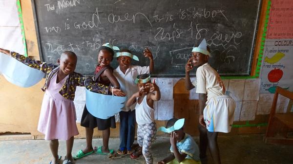 ウガンダの孤児院で、子どもたちと劇のコンテストを企画して学んだボランティアの役割!