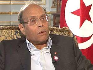 Un extrait de naissance scanné de Moncef Marzouki a été largement partagé sur facebook . Il porte sur un rectificatif introduit sur la nationalité