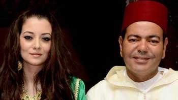 Le Roi du Maroc Mohammed VI a présidé la cérémonie de conclusion de l'acte de mariage du  prince   Rachid avec Oum Keltoum