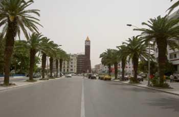 C'est certainement la plus longue avenue de la capitale tunisienne. Elle était connue