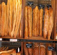 Environ 500 boulangers travaillent actuellement sans autorisation