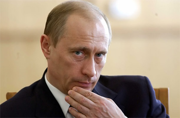 Le président russe Vladimir Poutine a annoncé vendredi 6 mars qu'il réduisait son salaire