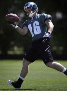 Air Force Lt. Chad Hall makes a catch at Eagles training camp.