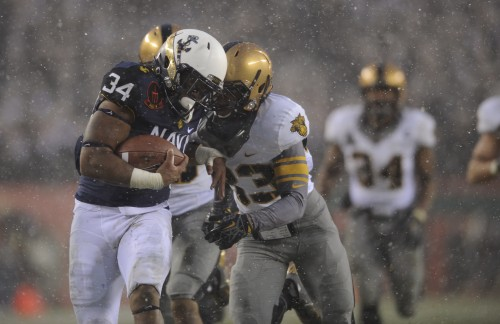 Navy's Noah Copeland rushes for a 39-yard touchdown in the second quarter of Saturday's Army-Navy game in Philadelphia. (Mike Morones/Staff)