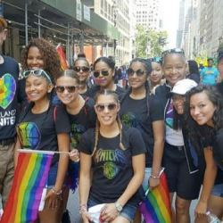 酷新聞:NBA首度參加同志遊行 總裁現身支持