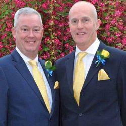 酷新聞:首位結婚英國同志牧師 歧視官司敗訴