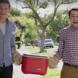酷影音:同志情侶害怕公然牽手? 這產品讓你想牽就牽!