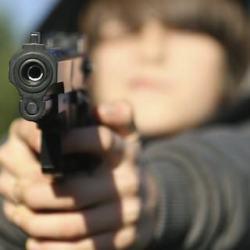 酷新聞:同志弟弟槍殺「霸凌」哥哥 恐將終身監禁精神病院