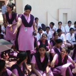 酷新聞:印度大學女宿禁鎖門 原因竟是怕搞蕾絲邊?