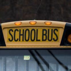 酷新聞:7歲男童向同志雙親說「你會下地獄」 校車司機惹禍