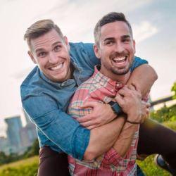 酷新聞: 超感人!完成大西洋挑戰 划船選手向男友下跪求婚