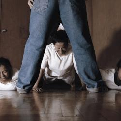 酷影像:厄瓜多攝影師 紀錄性向矯正機構虐待慘況