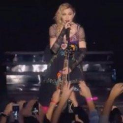 酷影音:瑪丹娜 為法國恐攻事件默哀 獻唱「Like a prayer」