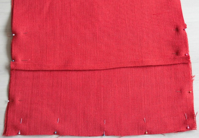Step by step instructions how to sew an flap over pillow