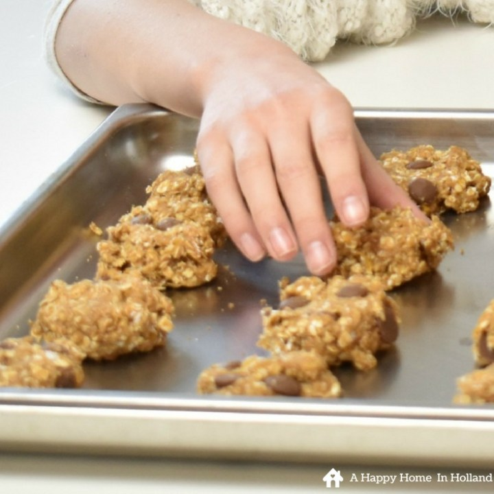 Child-friendly recipe - if you like cooking with your kids these delicious peanut butter and banana cookies are a great choice